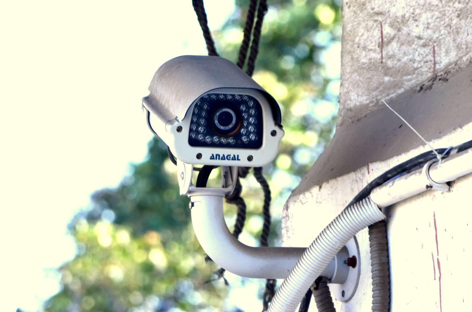 Vie privée en danger : des logiciels vous espionnent (peut-être) !