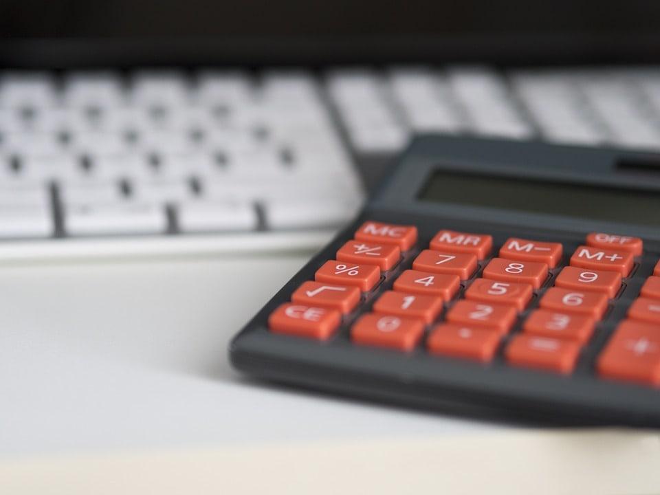 Logiciels de comptabilité : est-il préférable de louer ou d'acheter une licence ?