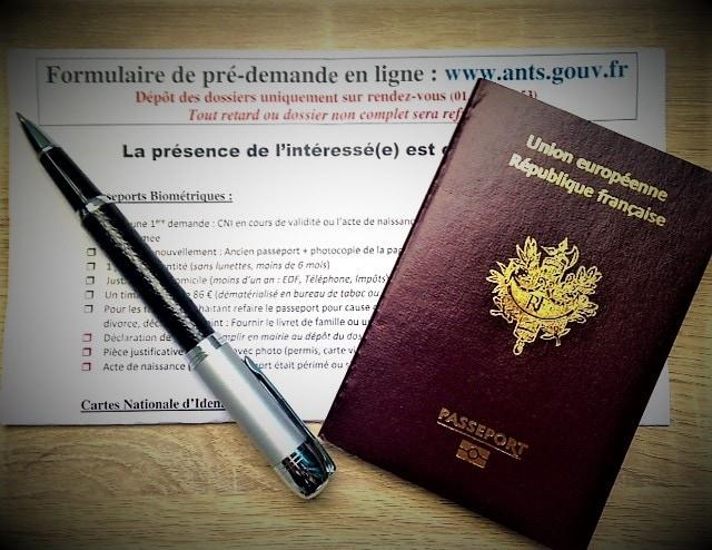 Documents à télécharger pour faire sa demande de passeport ou de carte d'identité
