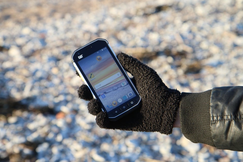 Comment protéger ses smartphones et tablettes des pickpockets pendant les vacances ?