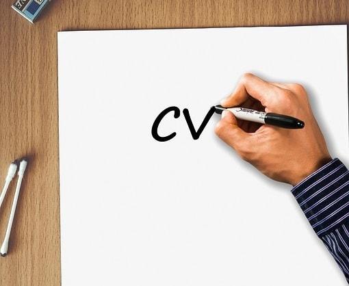 Comment se retrouver en haut de la pile de CV lors d'une recherche d'emploi ?