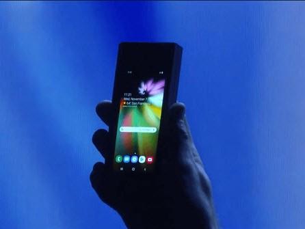 Smartphone pliable de Samsung : l'ombre du flop commercial plane