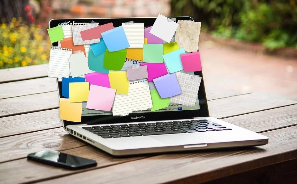 Macbook post-it