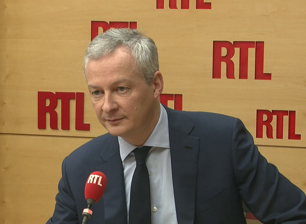 Bruno Le Maire explique à Elizabeth Martichoux son intention d'attaquer Apple et Google en justice. 14 mars 2018, source : RTL.fr