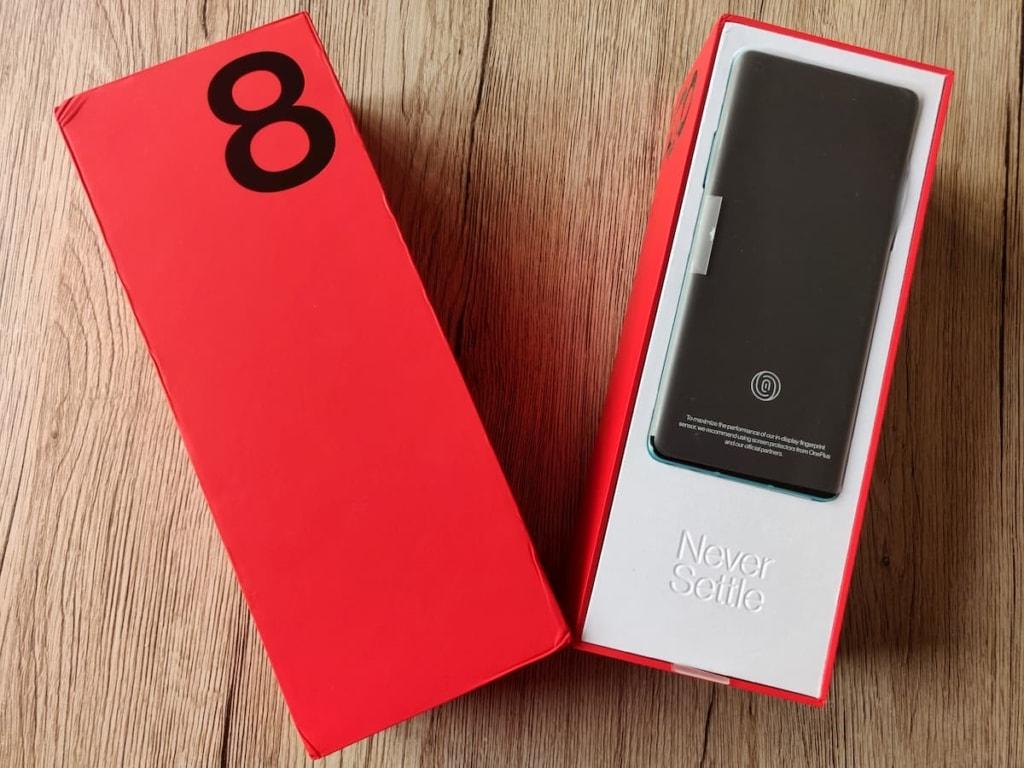 OnePlus 8 box